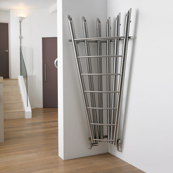 Corner radiator for lounge