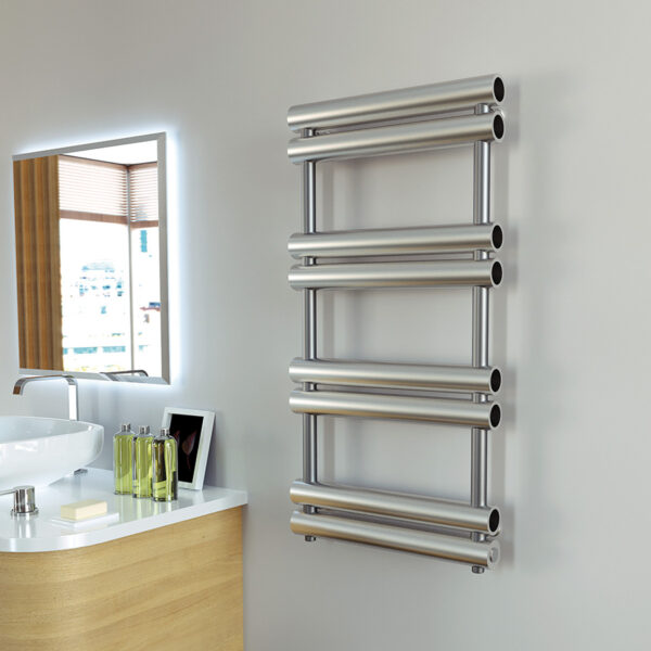 Attractive tube towel rail for bathrooms
