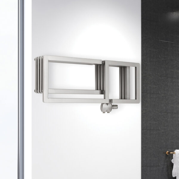 Space-saving towel rail for bathrooms