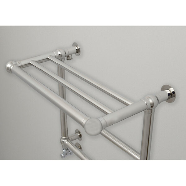 Space-saving towel rail for bathrooms